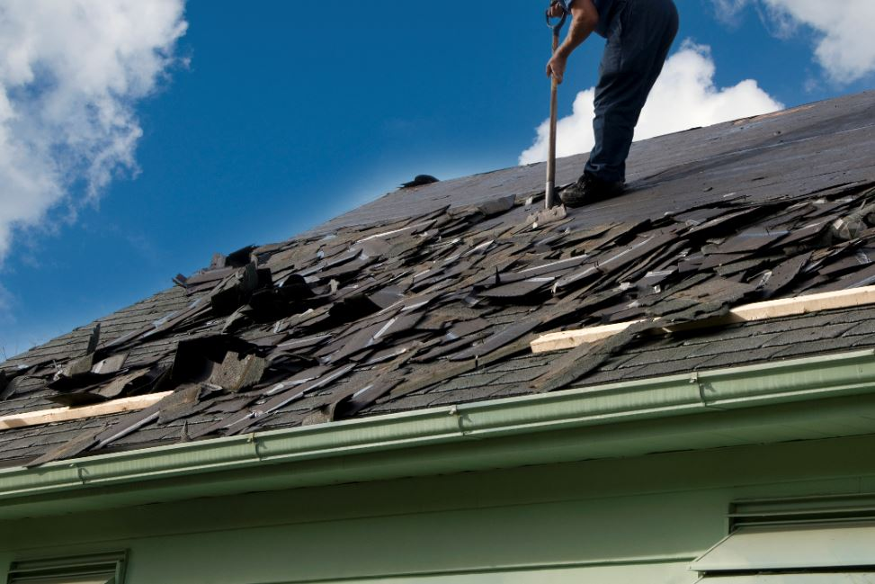The pros and cons of Roof Repair vs. Roof Replacement